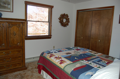 Queen bed second bedroom: Berkeley Springs Cabin Rental